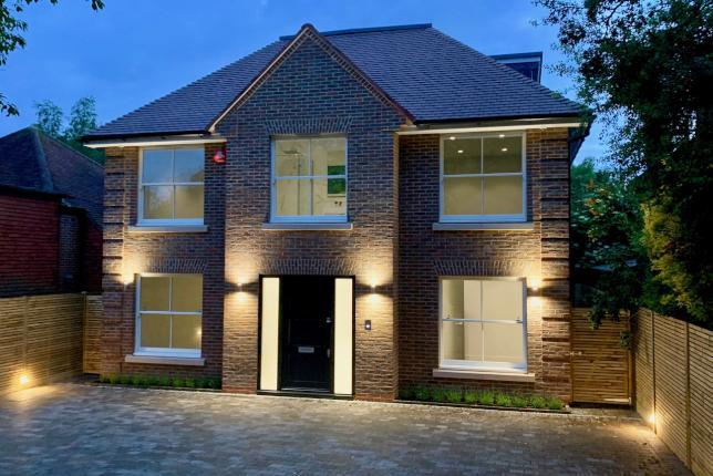 New build 5 bedroom luxury house